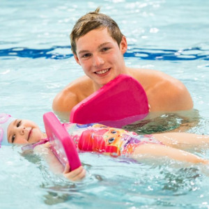 Pre Schoolers take the plunge to learn how to swim Scottish PR