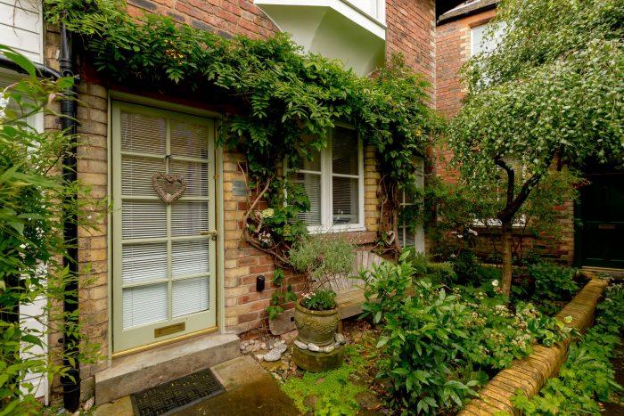 Property PR photography, Signal House Exterior, Simpson & Marwick.
