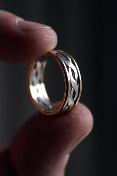 Romantic  ring made from rare scottish gold and scottish silver
