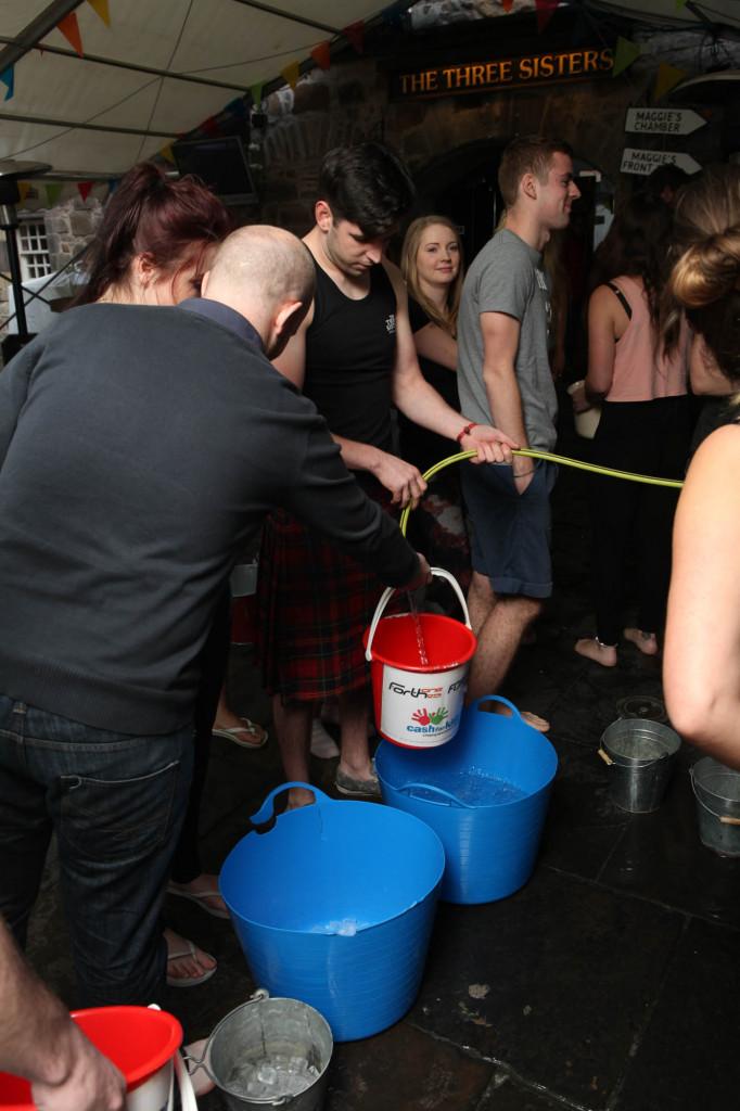 25 AUG Three sisters Ice Bucket challenge Resized-6646
