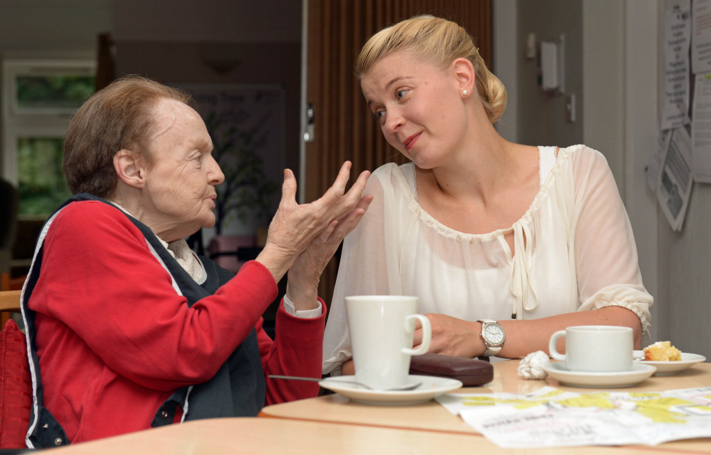 Bield Care Home are visited by a theatre company called Le Mot Juste.
