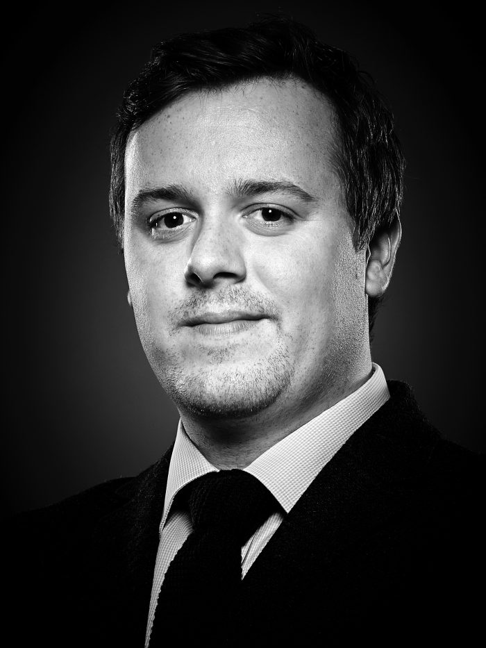Property PR photography, Calum Miller New Homes Associate Director at Rettie, Dundas Estates.