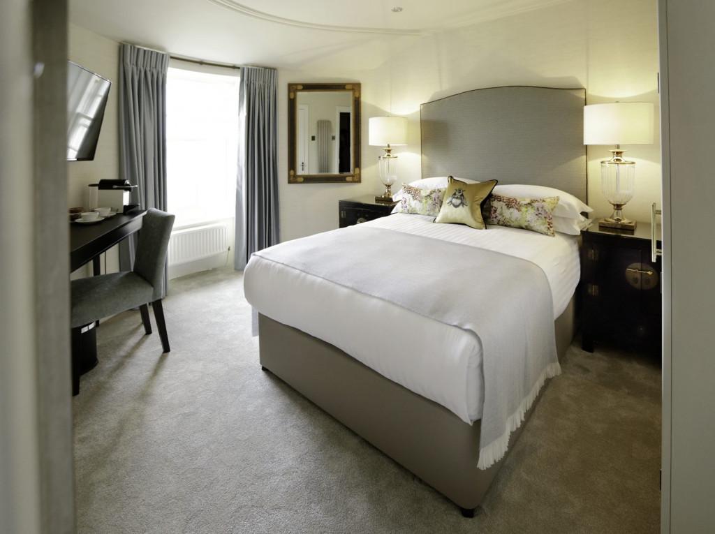 Hotel PR photograph of a Nira Caledonia bedroom