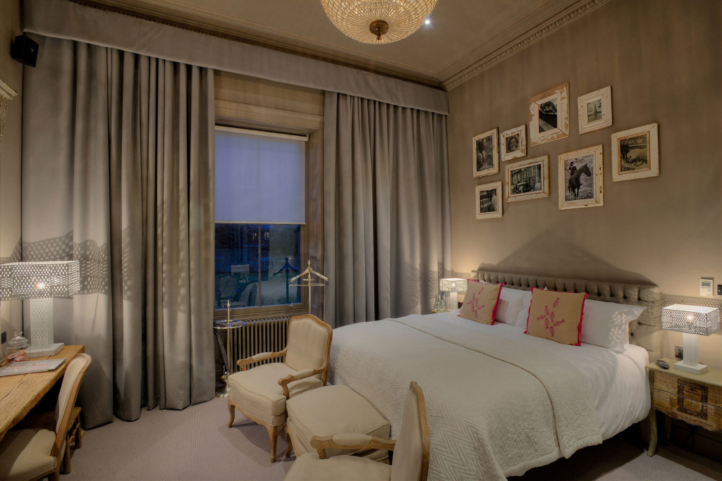 G1-Resized-for-Web-Murrayfield-House-Double-Bedroom-02