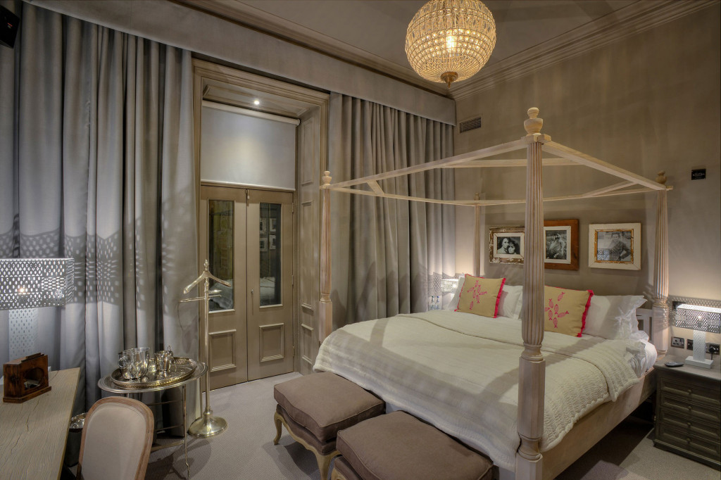 G1-Resized-for-Web-Murrayfield-House-Double-Bedroom