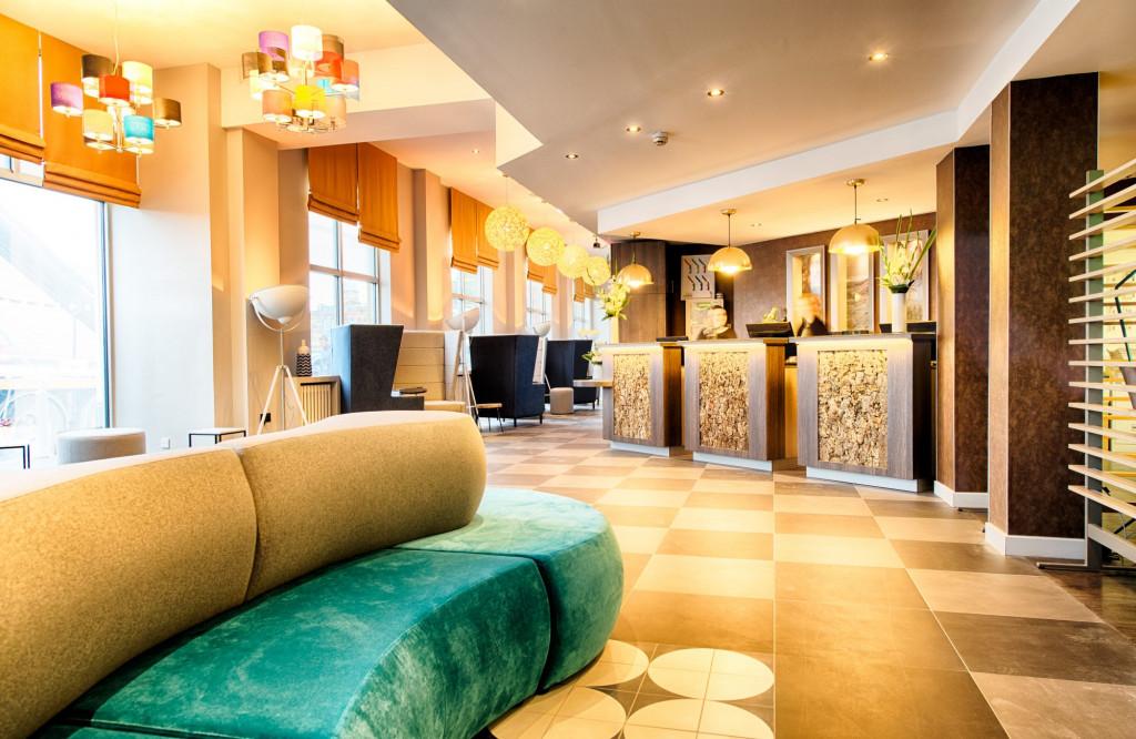 Lobby and reception at Leonardo Hotel in Edinburgh