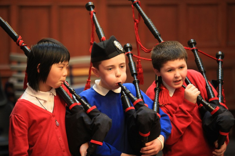 PR photo shoot for piping kids in Govan
