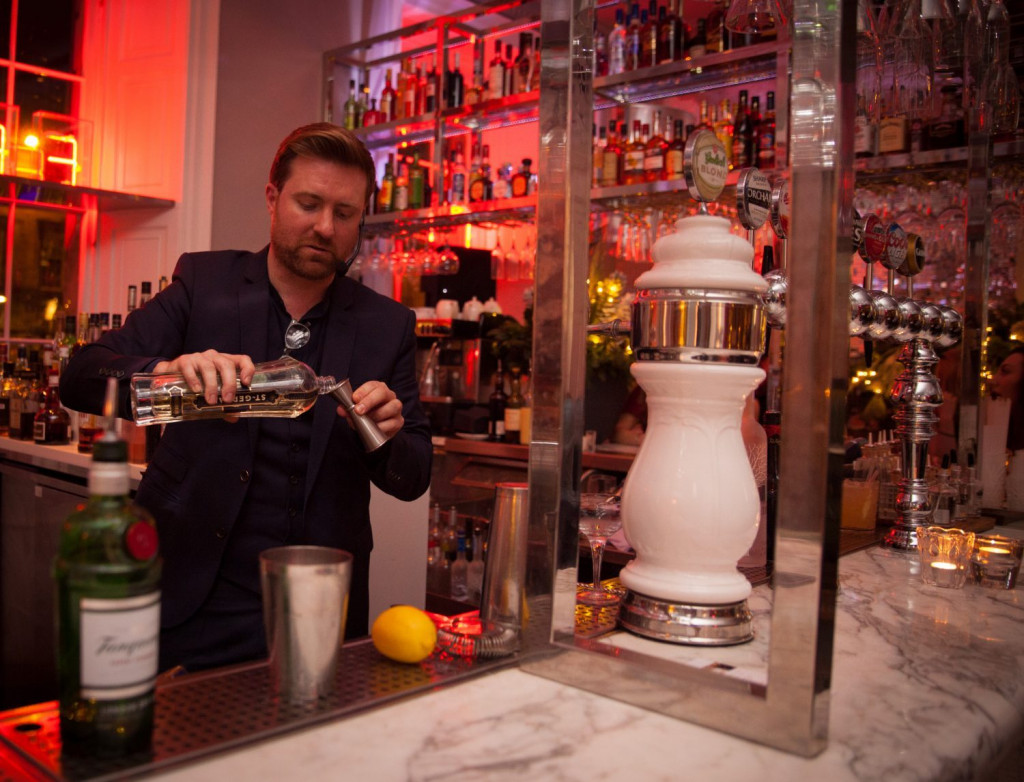 A mixology and cocktail-making masterclass at Tigerlily in Edinburgh